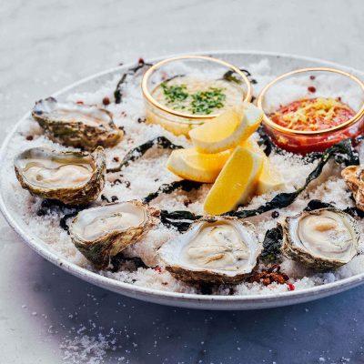 Half dozen of raw oysters
